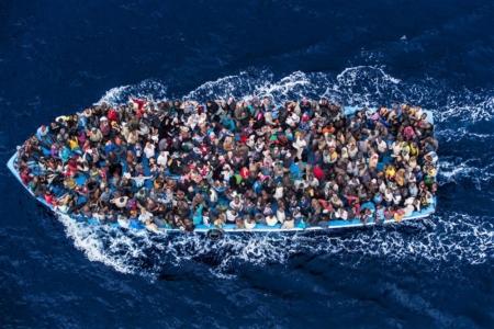 World Press Photo 2015, general news , 2nd prize singles: rescue from Bergamini ship of italian Navy 07 June 2014 mediterranean sea, Italy © Massimo Sestini